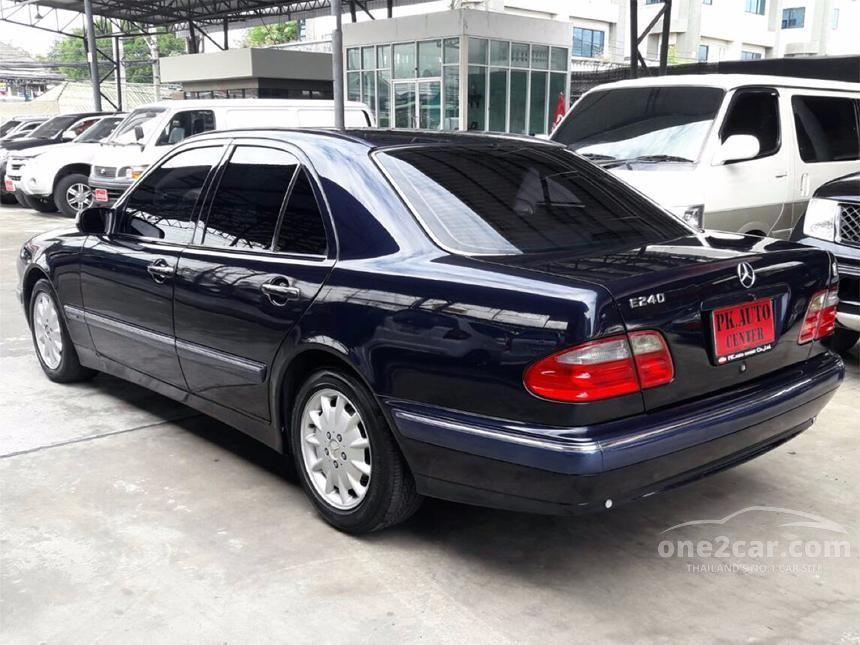 2000 Mercedes-Benz E240 Elegance Sedan