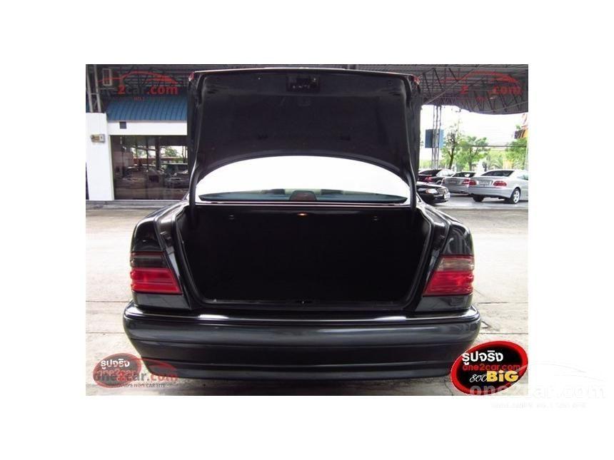 1997 Mercedes-Benz E240 Elegance Sedan