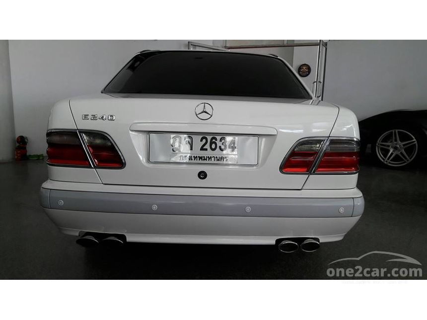 2000 Mercedes-Benz E240 Elegance Sedan