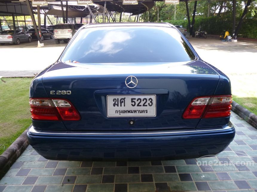 2001 Mercedes-Benz E280 Elegance Sedan