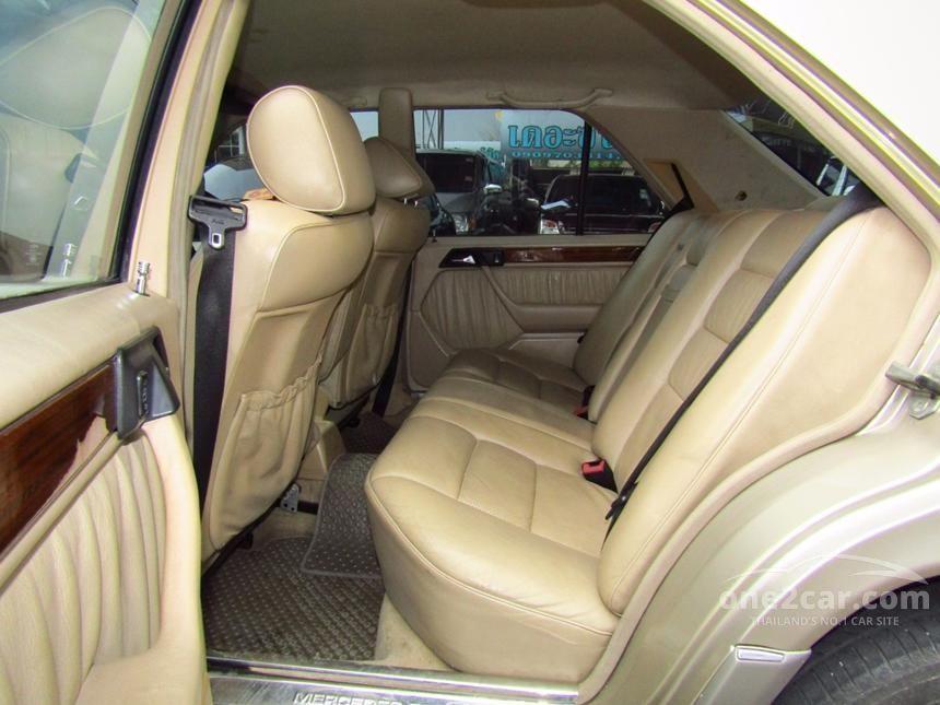 1995 Mercedes-Benz E280 Sedan