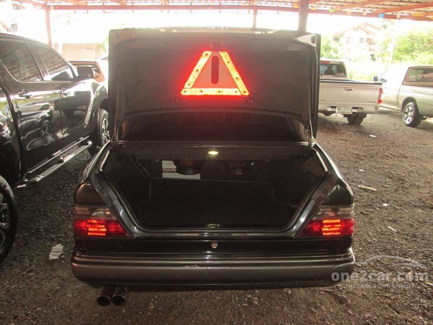 1994 Mercedes-Benz E280 Sedan