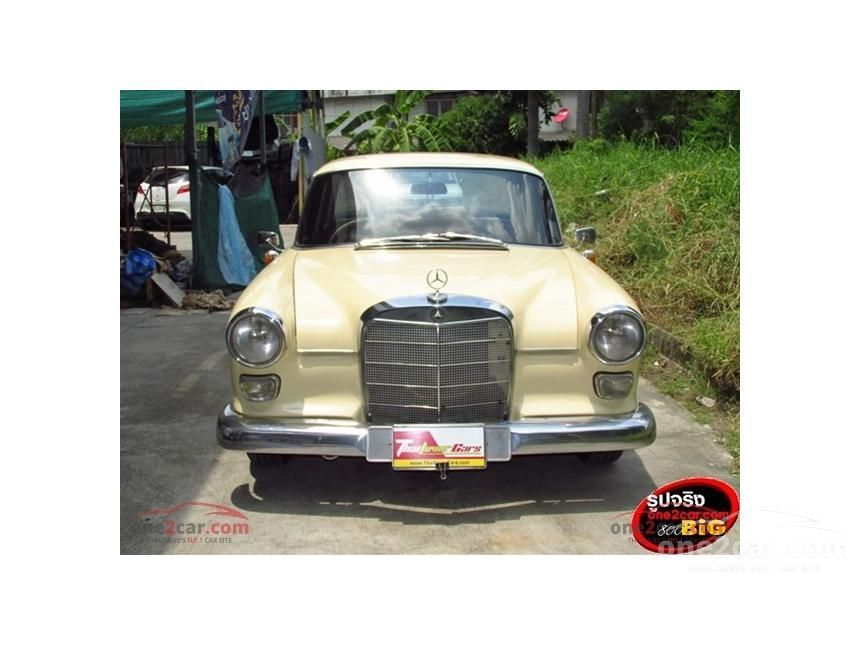 1963 Mercedes-Benz 190C Classic Sedan