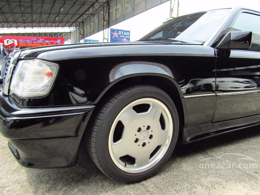 1992 Mercedes-Benz 230E Sedan