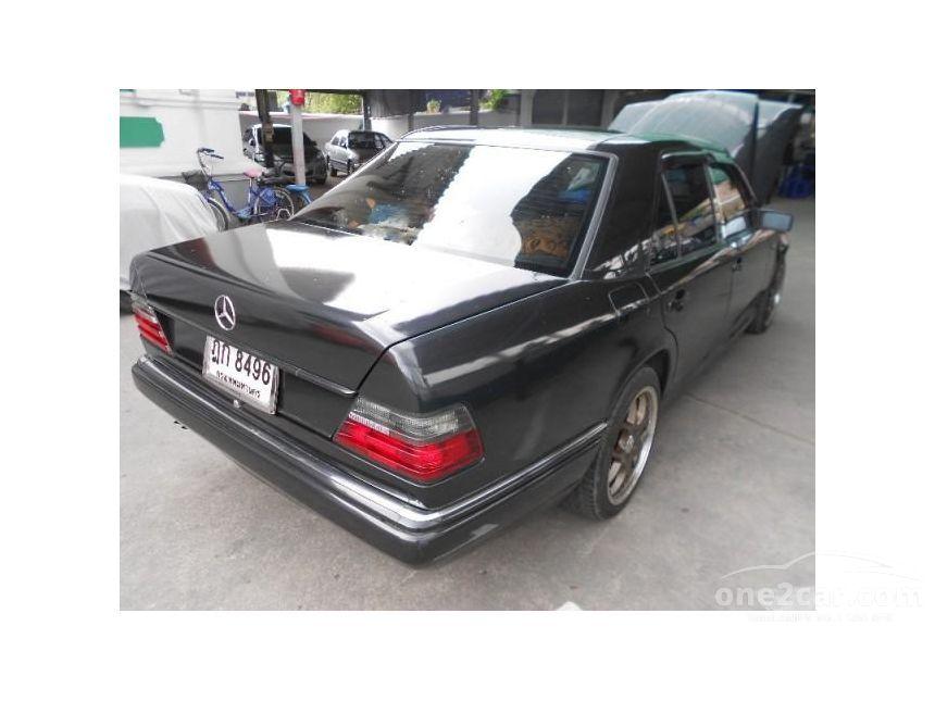 1989 Mercedes-Benz 300E Classic Sedan