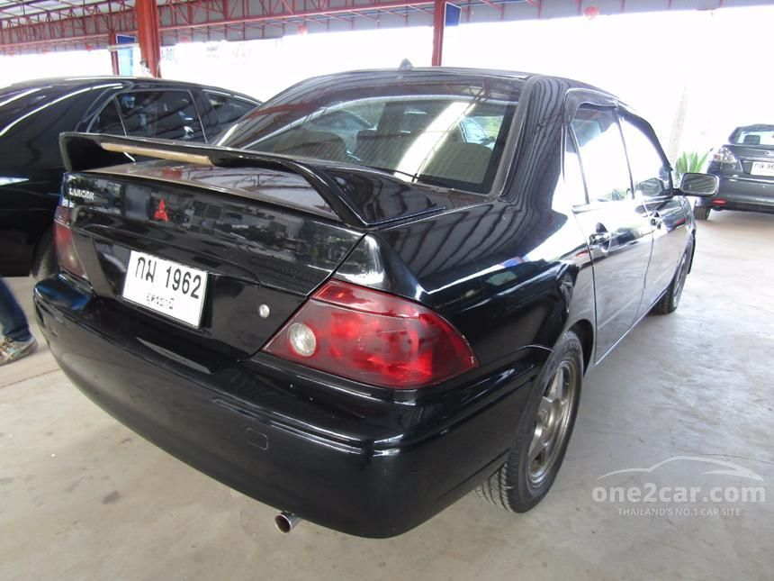 2003 Mitsubishi Lancer Cedia Sedan