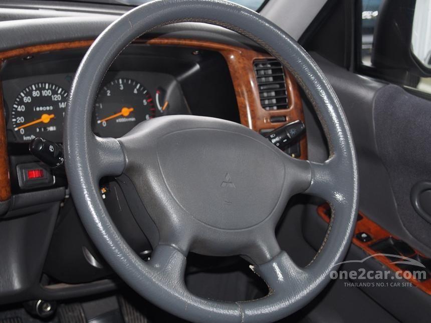 2005 Mitsubishi Strada G-Wagon GLS SUV