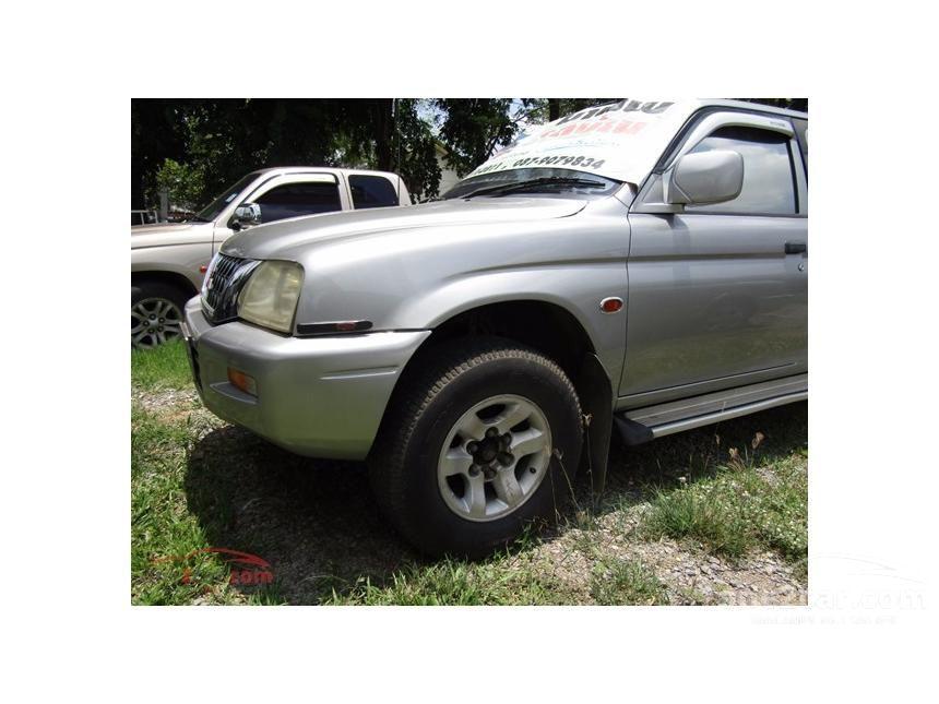 1996 Mitsubishi Strada GL Pickup
