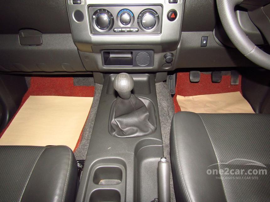 2013 Nissan Frontier Navara CALIBRE LE Grand Titanium Pickup