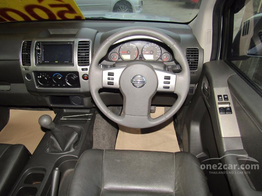 2013 Nissan Frontier Navara Calibre Pickup