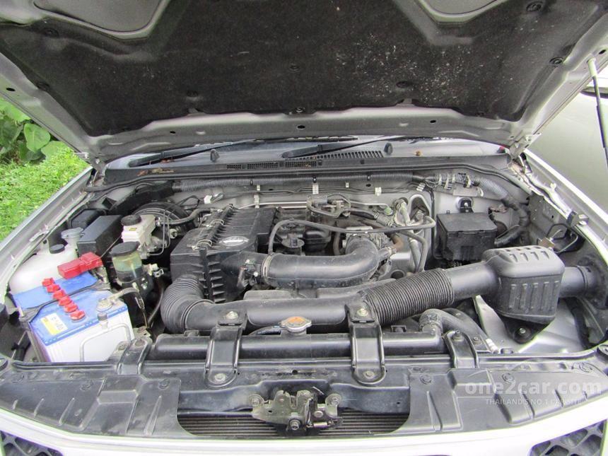 2015 Nissan Frontier Navara XE Pickup