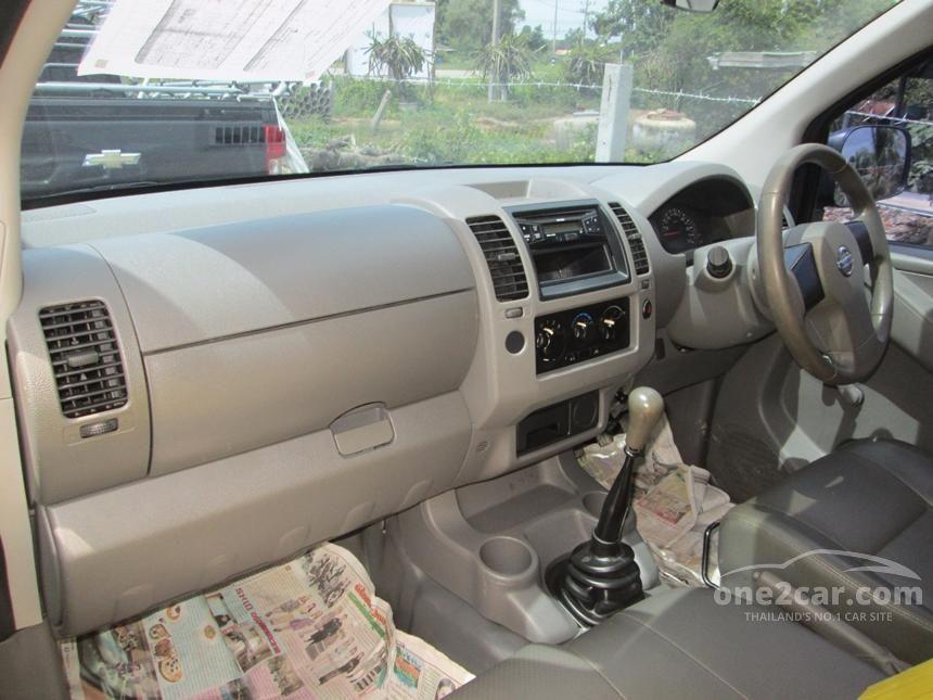 2009 Nissan Frontier Navara XE Pickup