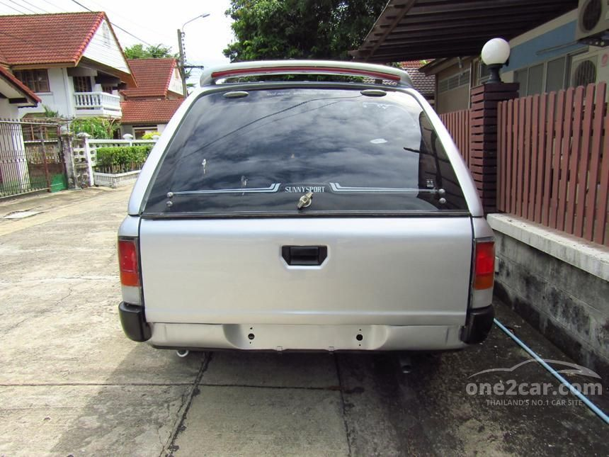 2001 Nissan NV Queen Cab Pickup