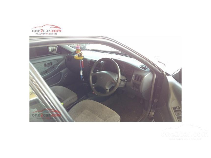1995 Nissan Presea Sedan