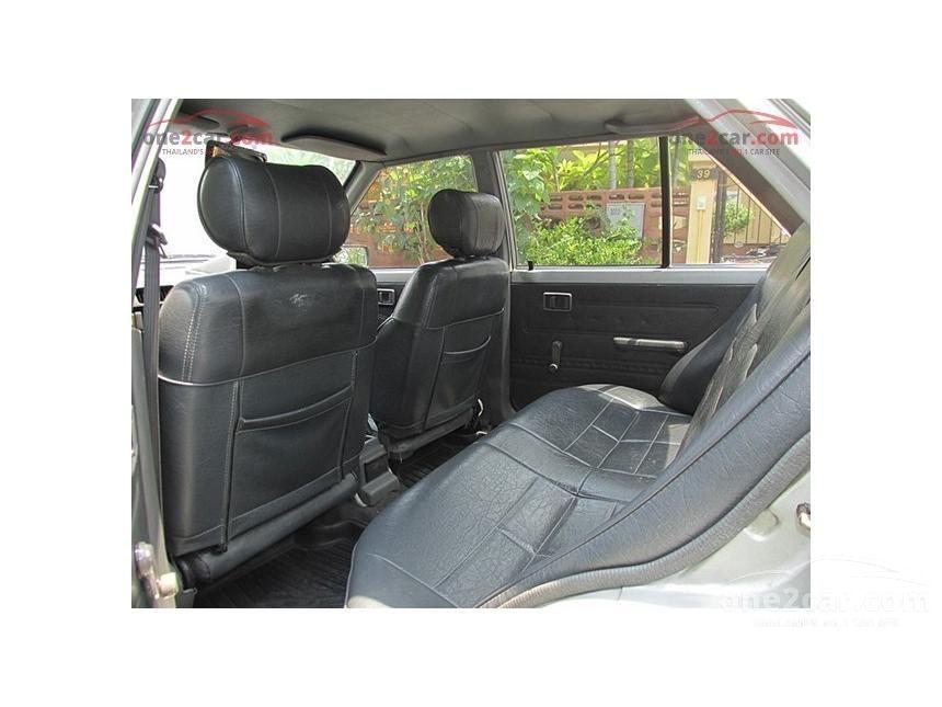 1993 Nissan Sunny GL Sedan