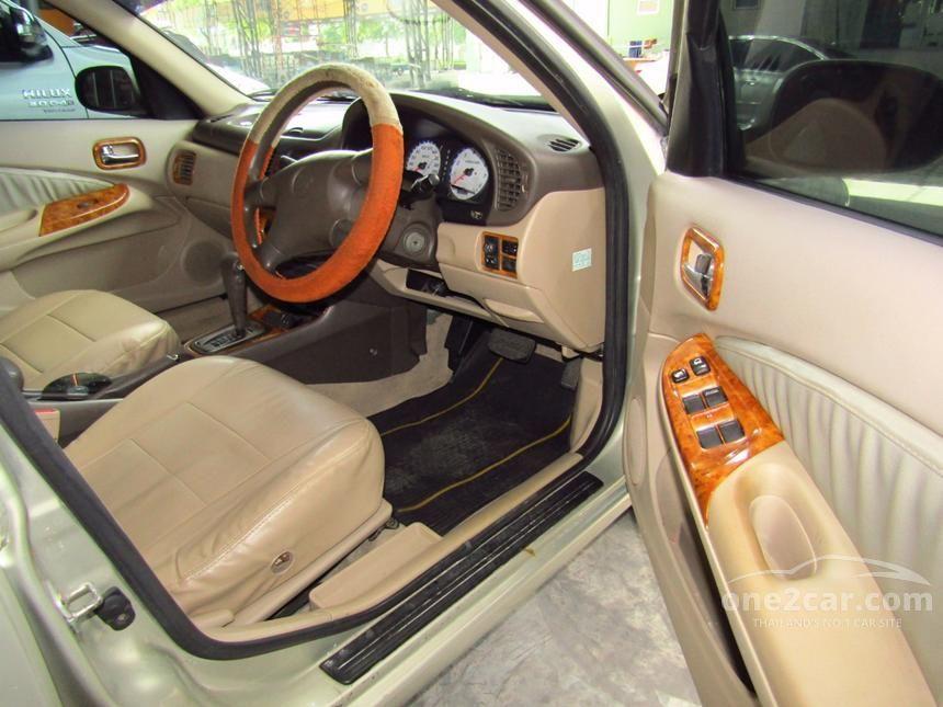 2003 Nissan Sunny GL Sedan