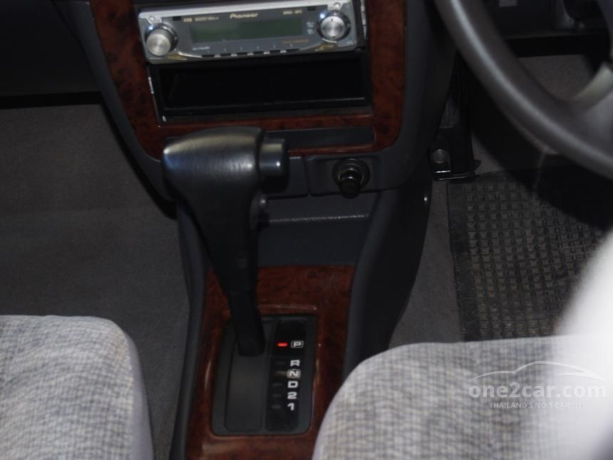 1999 Nissan Sunny Super Saloon Sedan