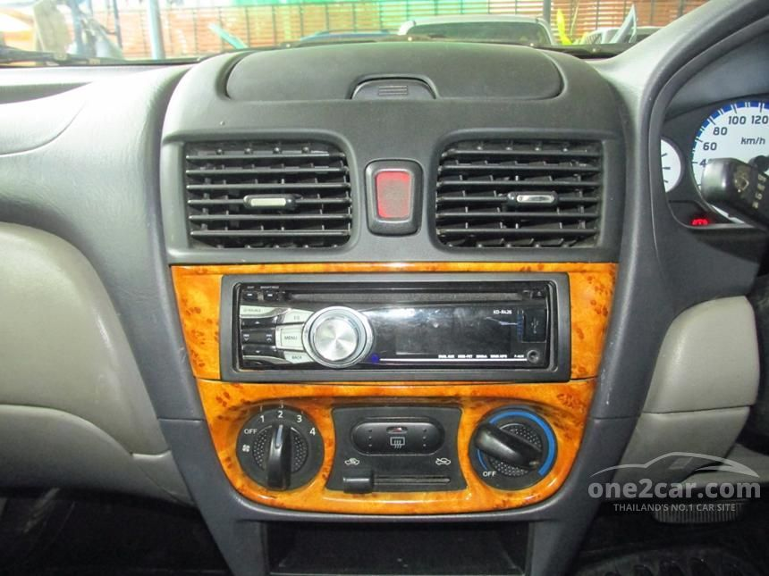 2000 Nissan Sunny Super Sedan