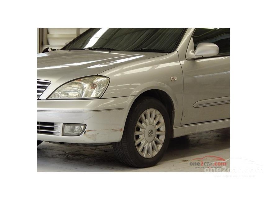 2005 Nissan Sunny Super Sedan