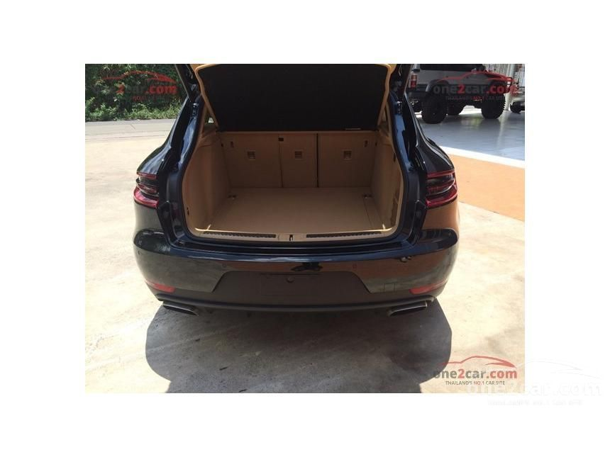 2015 Porsche Macan Turbo Wagon