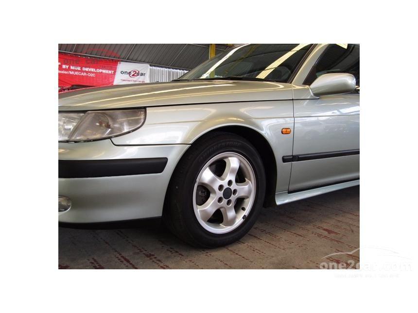 2000 Saab 9-5 Sedan
