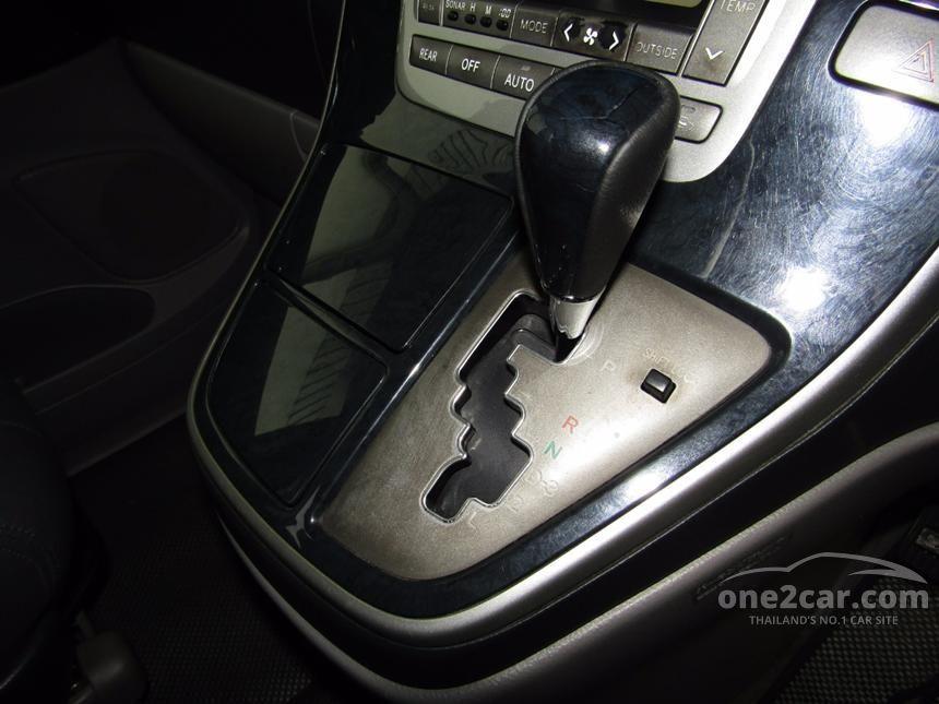 2004 Toyota Alphard V Van