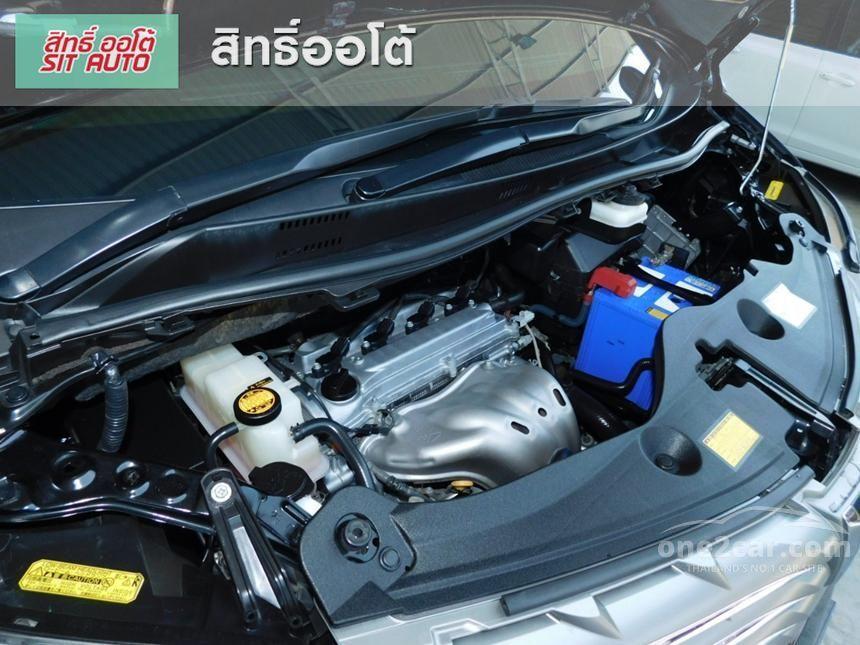 2011 Toyota Alphard V Van