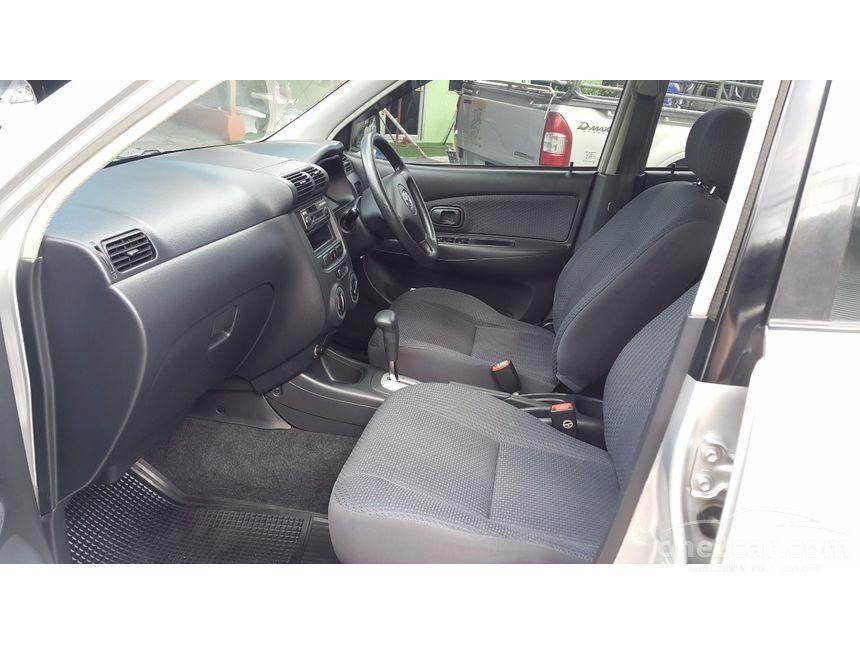 2005 Toyota Avanza E Hatchback