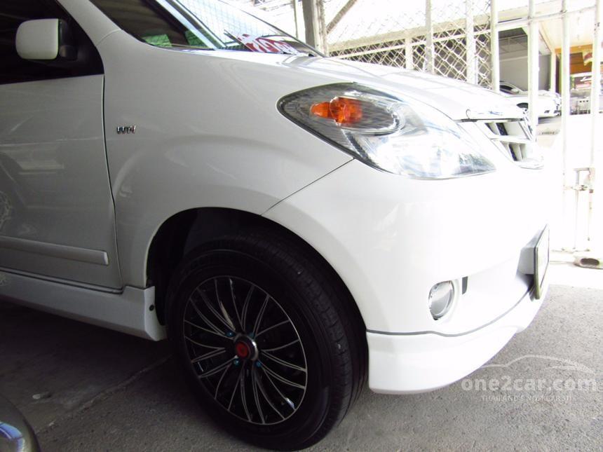 2011 Toyota Avanza E Hatchback