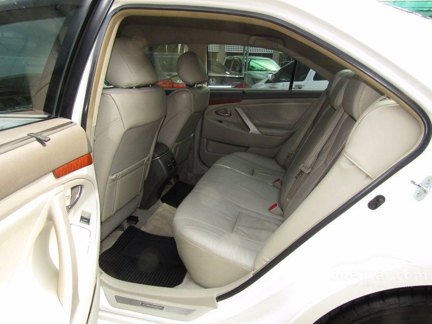 2010 Toyota Camry Hybrid Sedan
