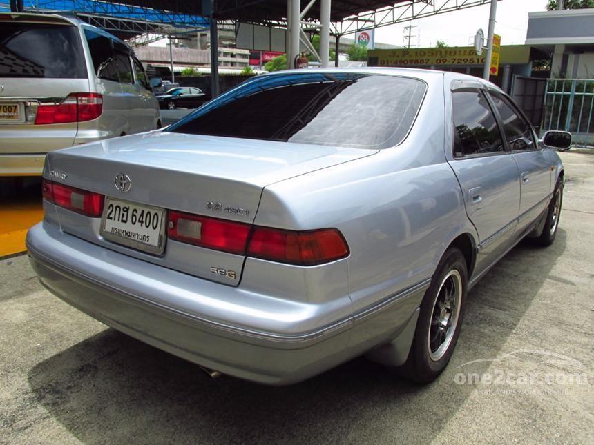 2000 Toyota Camry SEG Sedan
