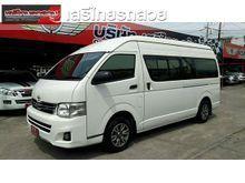 2012 Toyota Commuter 2.5 MT Van