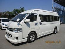 2013 Toyota Hiace COMMUTER (ปี 05-16) VVTi 2.7 AT Van