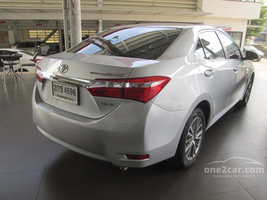 2013 Toyota Corolla Altis V Sedan