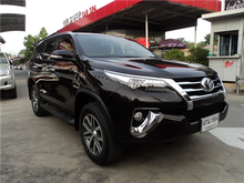 2015 Toyota Fortuner (ปี 15-18) V 4WD 2.8 AT Wagon