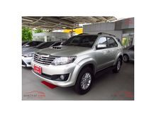 2013 Toyota Fortuner (ปี 12-15) V 2.5 AT SUV