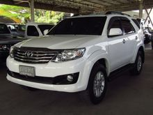 2013 Toyota Fortuner (ปี 12-15) V 2.7 AT SUV