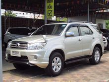 2011 Toyota Fortuner (ปี 08-11) V 2.7 AT SUV