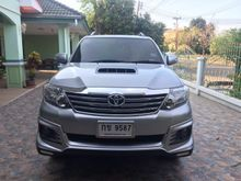 2015 Toyota Fortuner (ปี 12-15) V 2.5 AT SUV