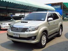 2011 Toyota Fortuner (ปี 12-15) V 3.0 AT Wagon