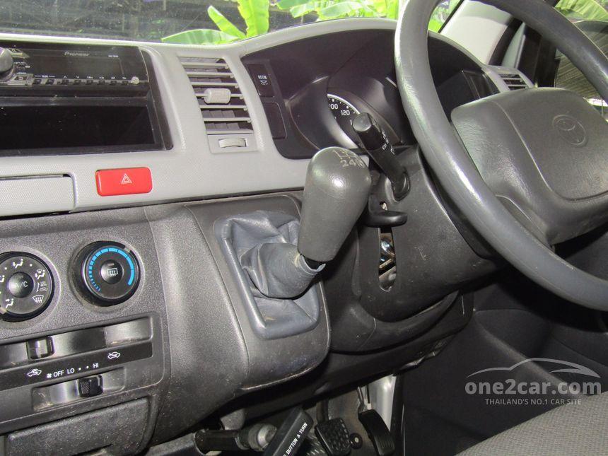 2012 Toyota Hiace D4D Van