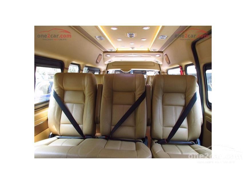 2016 Toyota Hiace D4D Van