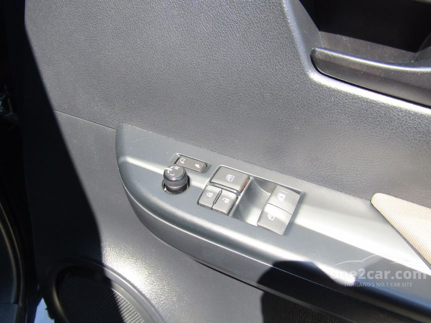 2015 Toyota Hilux Revo J Plus Prerunner Pickup