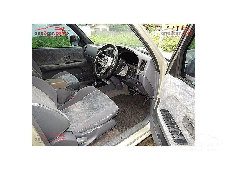 2002 Toyota Hilux Tiger E Prerunner Pickup