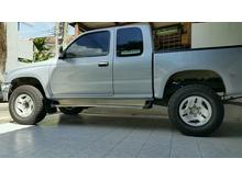 2000 Toyota Hilux Tiger EXTRACAB SGL 3.0 MT Pickup