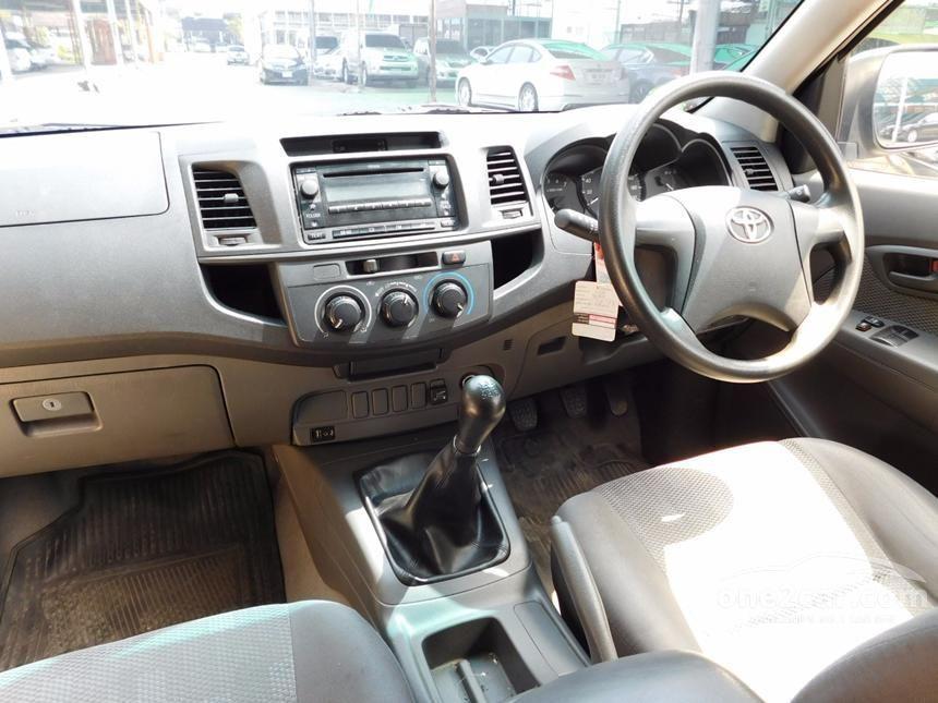 2011 Toyota Hilux Vigo J Pickup