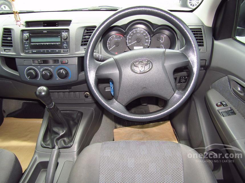 2012 Toyota Hilux Vigo J Pickup