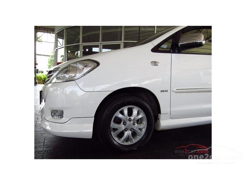 2011 Toyota Innova G Exclusive Wagon