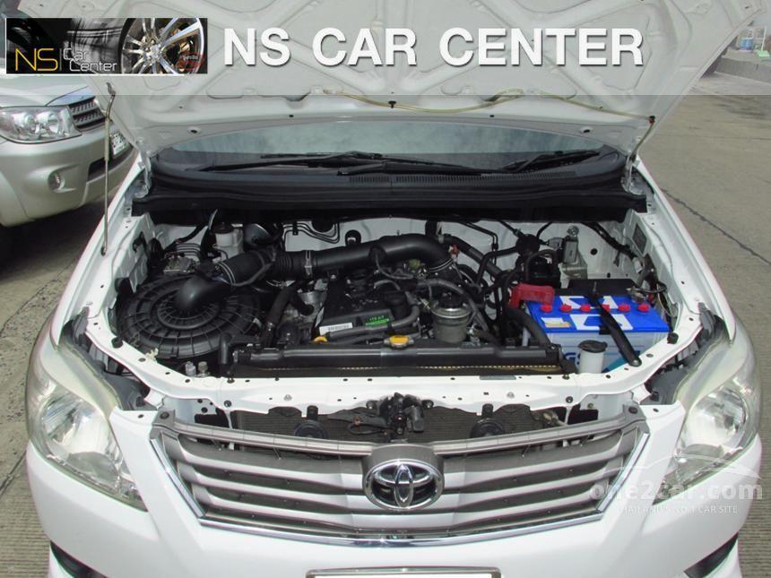 2012 Toyota Innova V Wagon