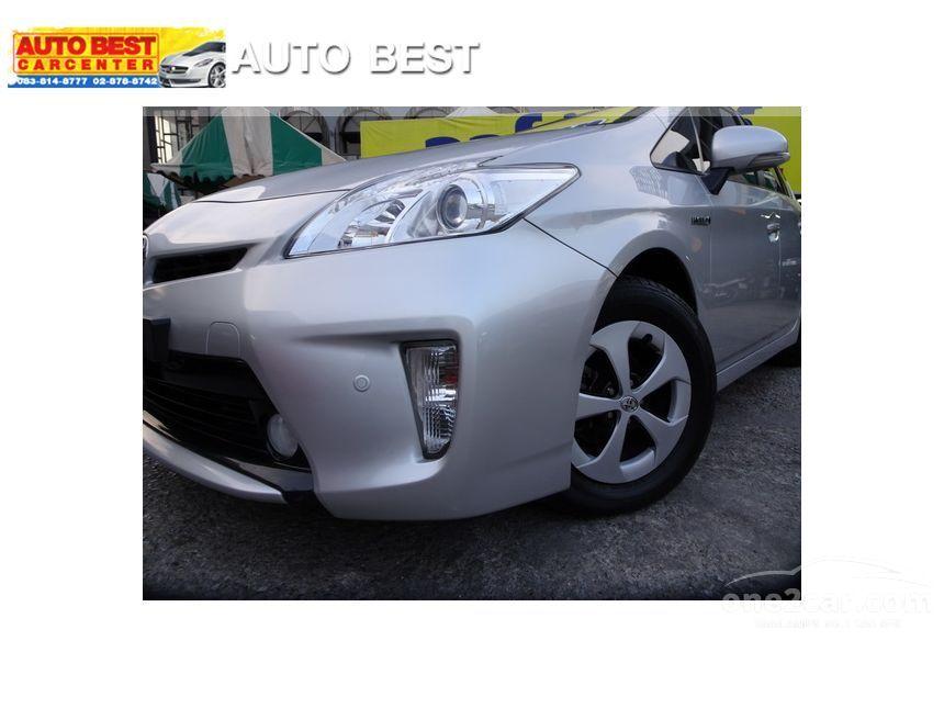 2014 Toyota Prius Hybrid Hatchback